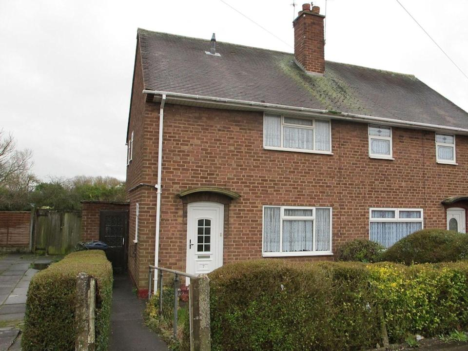 """<p>Over in Birmingham, this two-bedroom semi-detached house is in need of a little love. Ideal if you want to put your own stamp on a property, it has a kitchen, hallway, fireplace feature, and a spacious garden. Tempted? </p><p><a href=""""https://www.zoopla.co.uk/for-sale/details/57639950/"""" rel=""""nofollow noopener"""" target=""""_blank"""" data-ylk=""""slk:This property is currently on the market for £145,000 with Burchell Edwards via Zoopla."""" class=""""link rapid-noclick-resp"""">This property is currently on the market for £145,000 with Burchell Edwards via Zoopla.</a></p>"""