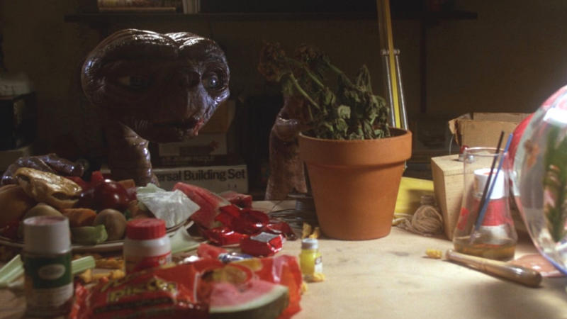 Reese's Pieces feature prominently in 'E.T. the Extra Terrestrial'. (Credit: Universal)