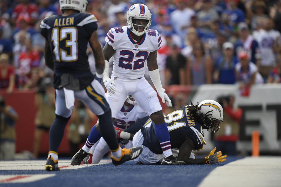 Vontae Davis (22) couldn't stop the Chargers' Mike Williams from scoring on Sunday. This would be Davis' final game in the NFL. (AP)