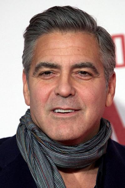 US actor George Clooney arrives for the UK premiere of the film 'The Monuments Men' in central London, February 11, 2014 (AFP Photo/Andrew Cowie)