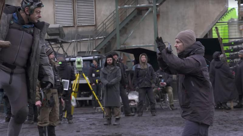 Matt Reeves on set with Andy Serkis as the pre-CGI Caesar in 'War for the Planet of the Apes' (20th Century Fox)