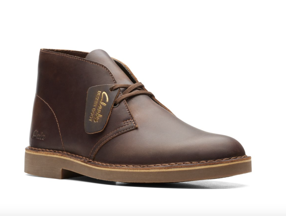 brown Clarks Desert Boot 2 in Beeswax Leather with clarks tag and laces