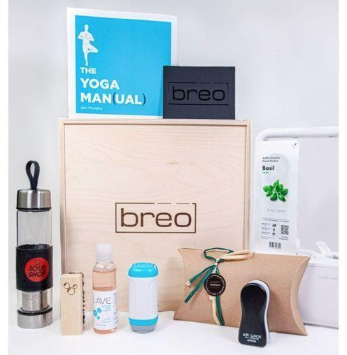 """<p><strong>Breo</strong></p><p>breobox.com</p><p><strong>$159.00</strong></p><p><a href=""""https://go.redirectingat.com?id=74968X1596630&url=https%3A%2F%2Fwww.breobox.com%2Fpages%2Fgift-purchase&sref=https%3A%2F%2Fwww.esquire.com%2Flifestyle%2Fg19735637%2Flast-minute-fathers-day-gifts-ideas%2F"""" rel=""""nofollow noopener"""" target=""""_blank"""" data-ylk=""""slk:Buy"""" class=""""link rapid-noclick-resp"""">Buy</a></p><p>For the dad who wants the latest and greatest in tech, home goods, and gadgets—and who doesn't care that an expert is making the picks instead of you.</p>"""
