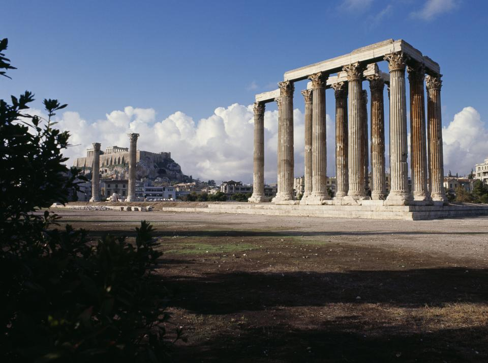GREECE - AUGUST 24: Temple of Olympian Zeus (Olympieion) in Athens, Greece. Greek and Roman civilisation, 2nd century BC-2nd century AD. (Photo by DeAgostini/Getty Images)