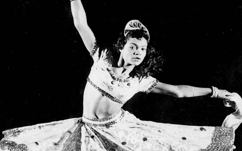 Eartha Kitt performs in 1955 - AP