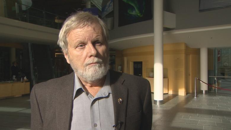 Justice Minister Louis Sebert survives vote to oust him from N.W.T. cabinet