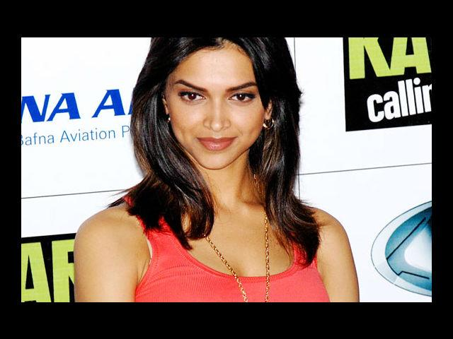 <b>3. Deepika Padukone</b><br>One of the biggest names of Bollywood today, Deepika Padukone has been winning the audiences over with her beauty, moves and of course, her dimpled smile. That smile of her helped her along as she signed so many endorsements and modeling offers in the start of her career.
