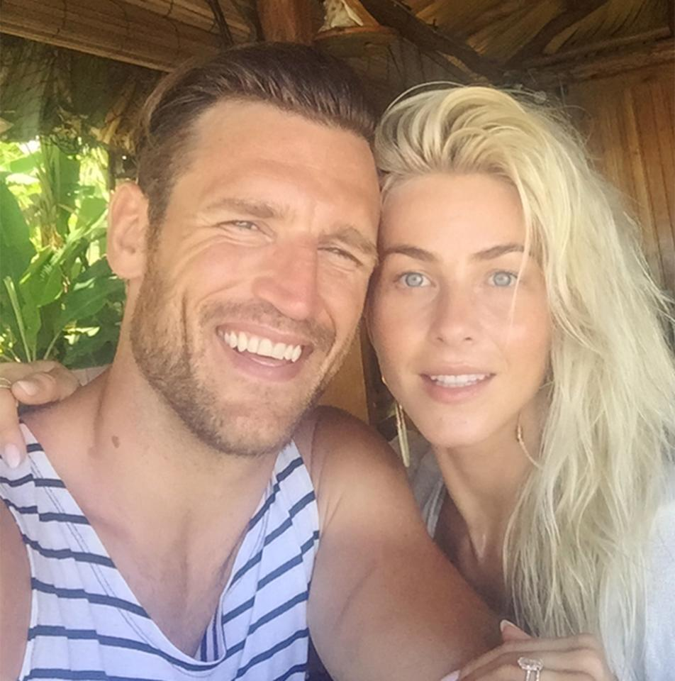 <p>Days after getting married in two custom Marchesa designs, the newlywed laid off the makeup on her tropical honeymoon with husband Brooks Laich.</p>