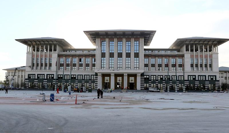 The new presidential palace in Ankara prior to its inauguration by the Turkish president on October 29, 2014 (AFP Photo/Adem Altan)