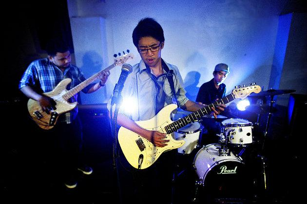The Bleu Rascals will represent the Philippines at the Timbre Rock & Roots Festival. (Photo: Irene Gomez)