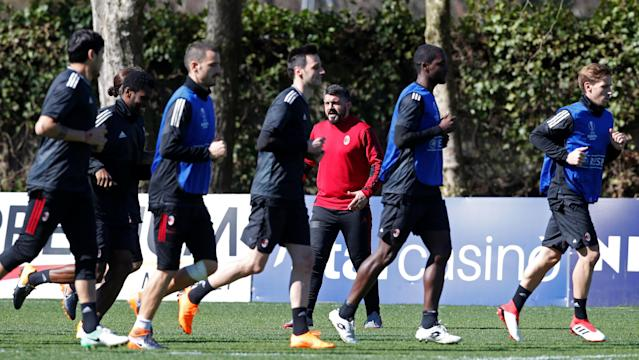 Soccer Football - Europa League - AC Milan Training - Milanello Sport Center, Milan, Italy - March 14, 2018 AC Milan coach Gennaro Gattuso watches his players during training REUTERS/Stefano Rellandini
