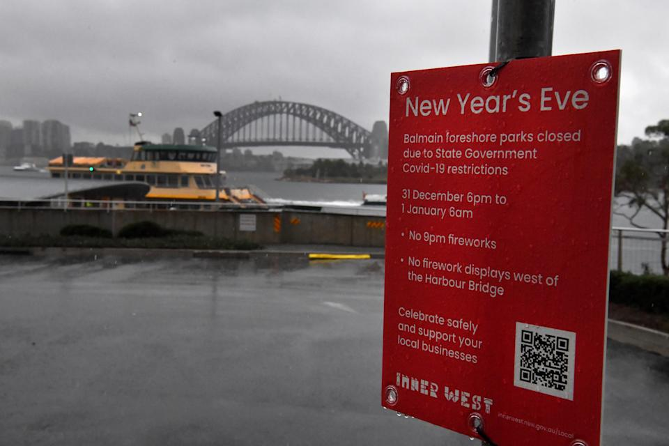 Sydney will go ahead with the midnight fireworks display on New Year's Eve. Source: AAP