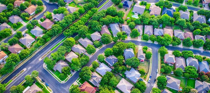 As mortgage rates sink, homeowners chase refinance savings