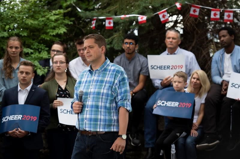 Front-runners deadlocked after campaign week 1, but small signs favour Liberals