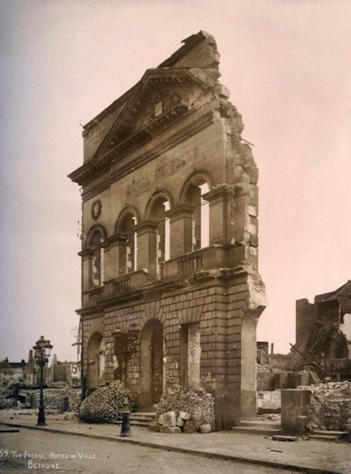 The front wall of the Hotel de Ville at Bethune in Northern France, photographed soon after the end of World War One, circa March 1919. This image is from a series documenting the damage and devastation that was caused to towns and villages along the Western Front in France and Belgium during the First World War. (Photo by Popperfoto/Getty Images)