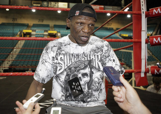 Floyd Mayweather Sr. reportedly punched a woman in the leg at the Canelo-GGG fight. (AP Photo/Jae C. Hong)
