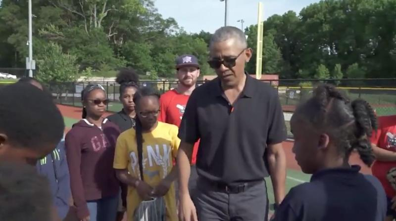 "Former President Barack Obama visits kids in the Washington Nationals Youth Baseball Academy's after-school program. (Photo: <a href=""https://twitter.com/NatsAcademy/status/1131560775632457728?"" target=""_blank"">Official Twitter account of the Washington Nationals foundation & Youth Baseball Academy</a>)"