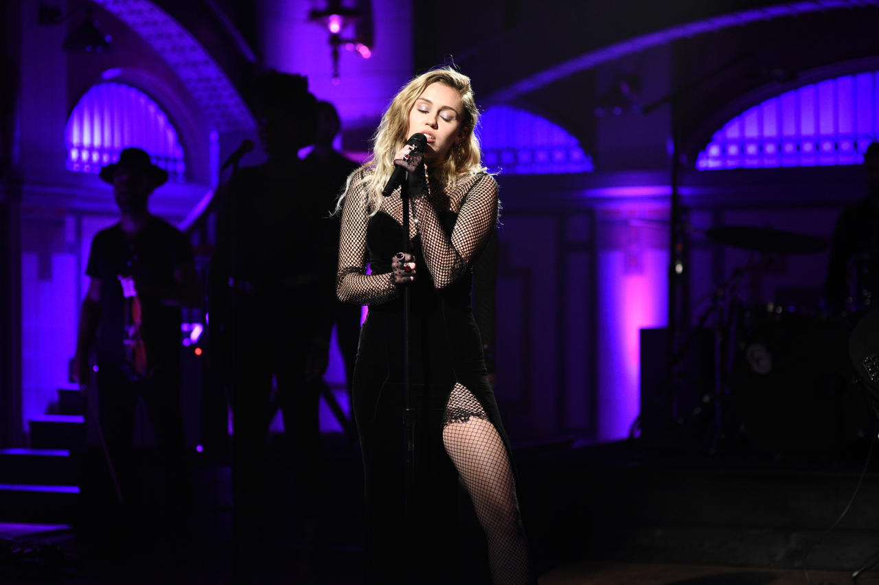 "<p><i>Younger Now</i> spent just a single week in the top 10; Cyrus's previous commercial pop album, <i>Bangerz</i>, logged eight weeks in the top 10. ""Malibu,"" the mellow lead single from <i>Younger Now</i>, didn't have the impact of the harder-edged hits from <i>Bangerz</i>.<br />(Photo: Getty Images) </p>"