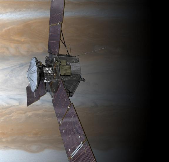 NASA Jupiter Probe Recovers from Earth Flyby Glitch