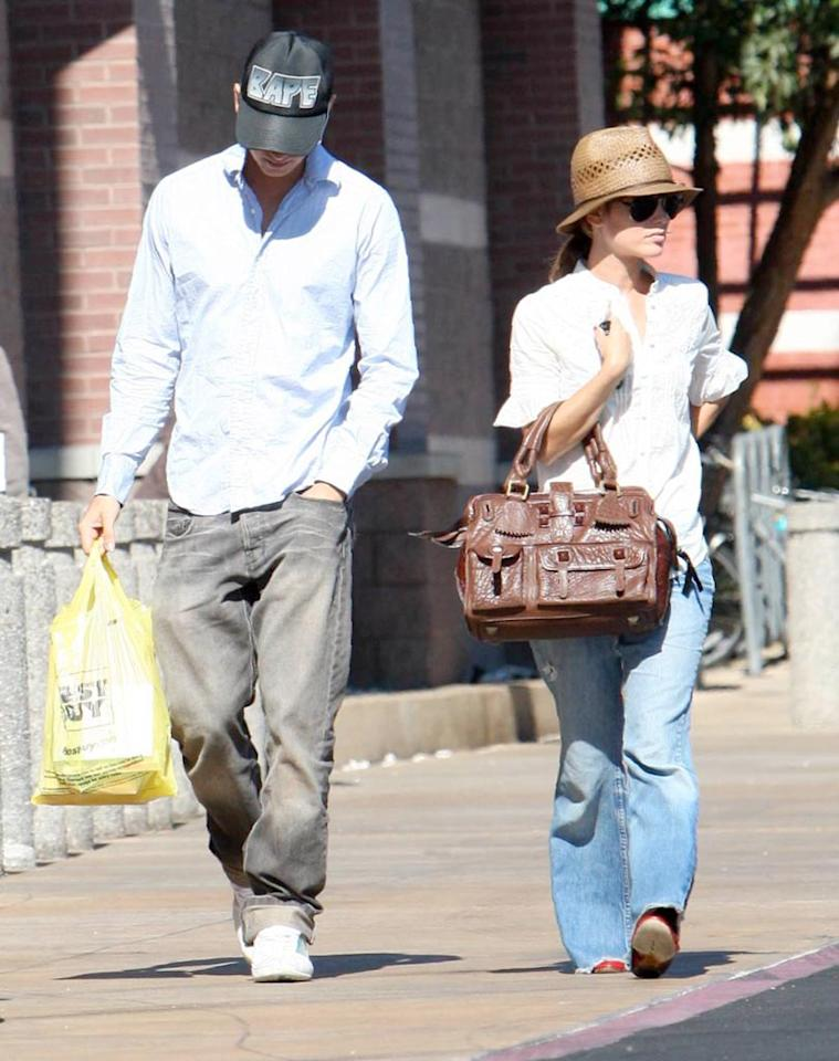 """Rumored couple Hayden Christensen and Rachel Bilson are spotted shopping together, but the young actors play it cool with the cameras around. Stefan/<a href=""""http://www.x17online.com"""" target=""""new"""">X17 Online</a> - September 26, 2007"""