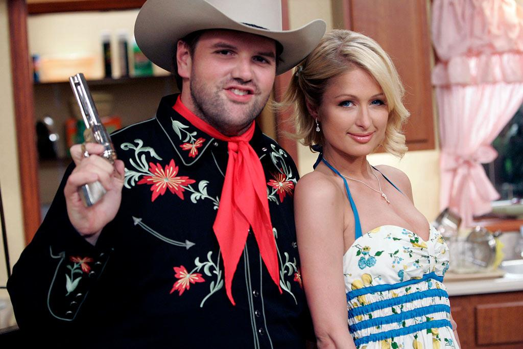 """Paris Hilton guest stars as Paris Hilton on the """"I Won't Die With A Little Help From My Friends"""" Episode of My Name Is Earl."""