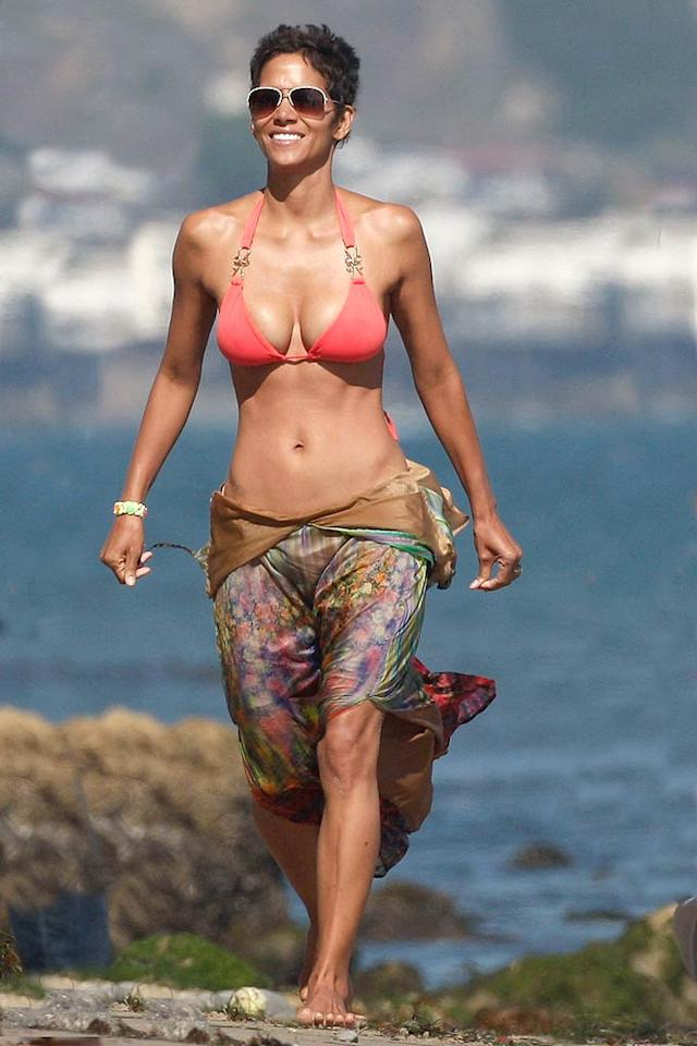 """Best Female Celeb Body Over 40    There's another 40something who virtually tied Ms. Aniston for first place in this category -- 45-year-old Halle Berry. Hot Halle got 27 percent of the male vote, as did Jennifer Aniston, who also eeked out 25% of the female vote, compared to Halle's 24%. Jennifer Lopez, 42, came in third with 22%, while 48-year-old Demi Moore landed 19%, Gwen Stefani, 42, got 6%, and Jen's old """"Friends"""" co-star Courteney Cox, 47, garnered a lame 4%."""