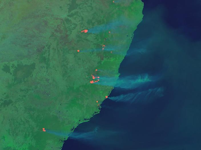 earth australia brush fires smoke new zealand himawari 8 satellite image photo november 7 2019 cira_natural_fire_color_20191107035000