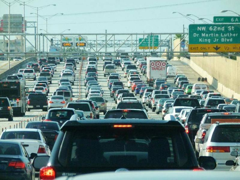 Miami's growing vehicle fleet is creating more ozone pollution, which can exacerbate respiratory problems, the American Lung Association says.