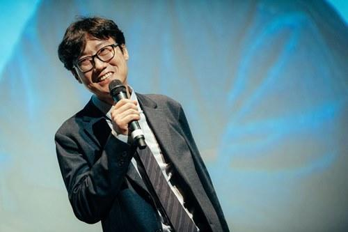 Hwang Dong Hyuk says that even thinking of a sequel is already tiring