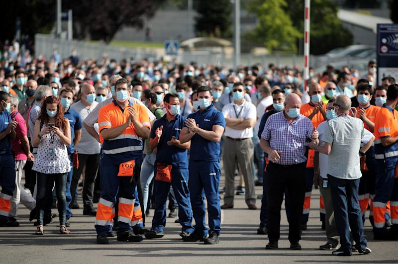 MADRID, SPAIN - JULY 14: Airbus workers gather in front of the headquarters of the aeronautical manufacturer in protest of the more than 1,600 layoffs that the company intends to undertake in Spain in the coming months on July 14, 2020 in Madrid, Spain. This is the first of the mobilizations that Airbus workers are planning to carry out. (Photo by Eduardo Parra/Europa Press via Getty Images)