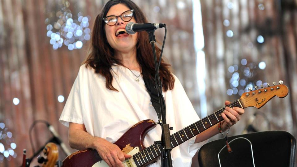 Victoria Williams performing at a music festival in 2010. (Photo: Getty)