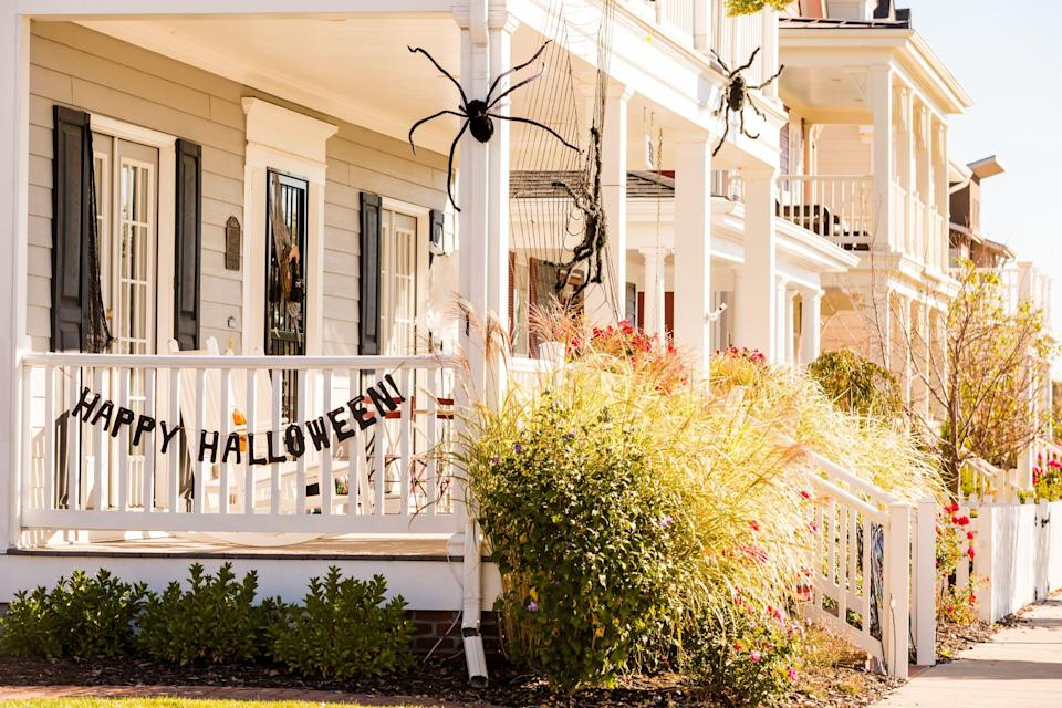 """<p>Get ready for Halloween to come back with abandon this year! We predict the kids will be all gussied-up and out in droves to collect candy, <a href=""""https://www.countryliving.com/food-drinks/g1194/halloween-treats/"""" rel=""""nofollow noopener"""" target=""""_blank"""" data-ylk=""""slk:Halloween treats"""" class=""""link rapid-noclick-resp"""">Halloween treats</a>, and hopefully only wreak a little havoc. So you'll want to make your house looks super spook-tacular to great the gaggles of friendy ghosts and gobblins ! That's why we've rounded up these <em>boo</em>-tiful outdoor Halloween decorations to help your porch, door, and yard look its best. </p><p>Sure, a jack-o'-lantern or two is nice—and certainly classic!—but haven't you already been there and done that? This year, it's time to step it up a notch in terms of both originality and spookiness. Whether you opt for something more traditional (think: a few <a href=""""https://www.countryliving.com/diy-crafts/g1363/painted-pumpkins/"""" rel=""""nofollow noopener"""" target=""""_blank"""" data-ylk=""""slk:painted pumpkins"""" class=""""link rapid-noclick-resp"""">painted pumpkins</a>, pots of fresh <a href=""""https://www.countryliving.com/gardening/garden-ideas/g4662/fall-flowers/"""" rel=""""nofollow noopener"""" target=""""_blank"""" data-ylk=""""slk:fall flowers"""" class=""""link rapid-noclick-resp"""">fall flowers</a>, and a fall wreath or two) or aim for something a little more advanced (a DIY array of festive lanterns could be nice, or a pair of scary-looking """"floating hats""""), we can practically guarantee there's something on our list for you. </p><p>Not super confident in your crafting skills? Don't worry, we've made sure to include ideas that are suitable for crafting beginners and pros alike. Even if the holiday's just around the corner, you still have time to whip up a few of our very favorite outdoor Halloween decoration DIYs and get your <a href=""""https://www.countryliving.com/home-design/decorating-ideas/g2621/fall-porch-decorating/"""" rel=""""nofollow noopener"""" target=""""_blank"""" data-ylk"""