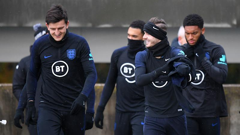 'Definitely no cliques' - Maguire shuts down talk of England divide