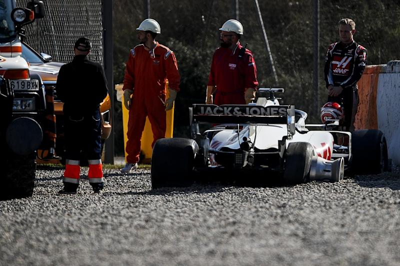 Haas explains cause of Magnussen's tyre failure