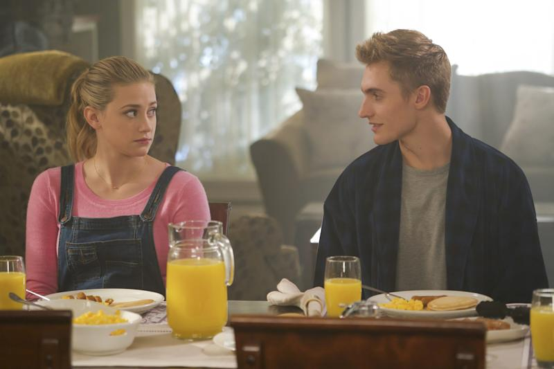 Riverdale' Season 2 Episode 11 Recap: Betty and Her Brother