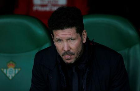 Soccer Football - La Liga Santander - Real Betis vs Atletico Madrid - Estadio Benito Villamarin, Seville, Spain - December 10, 2017 Atletico Madrid coach Diego Simeone before the match REUTERS/Jon Nazca