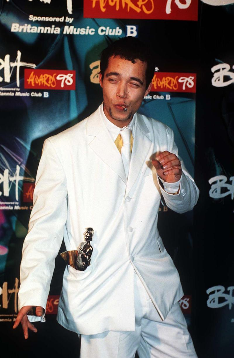 Brits Awards Ceremony, London, Britain - 1998, Finley Quaye At The Brit Awards In 1998. (Photo by Brian Rasic/Getty Images)
