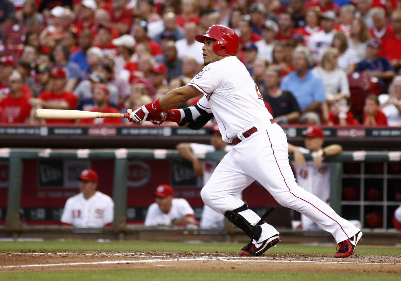Reds call up C Barnhart with Pena hobbled