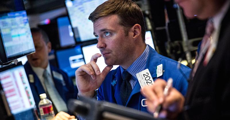 Futures point to flat open on Wall Street