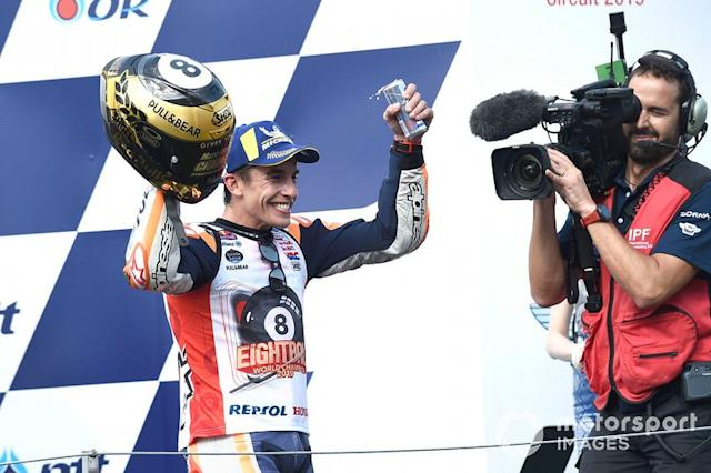 "Podio: ganador de la carrera Marc Márquez, Repsol Honda Team <span class=""copyright"">Gold and Goose / Motorsport Images</span>"