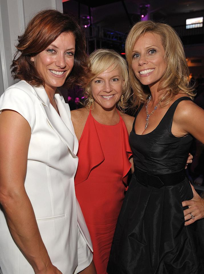 "<a href=""http://movies.yahoo.com/movie/contributor/1800022265"">Kate Walsh</a>, <a href=""http://movies.yahoo.com/movie/contributor/1807733767"">Rachael Harris</a> and <a href=""http://movies.yahoo.com/movie/contributor/1804537315"">Cheryl Hines</a> at the Los Angeles premiere of <a href=""http://movies.yahoo.com/movie/1810021980/info"">The Ugly Truth</a> - 07/16/2009"