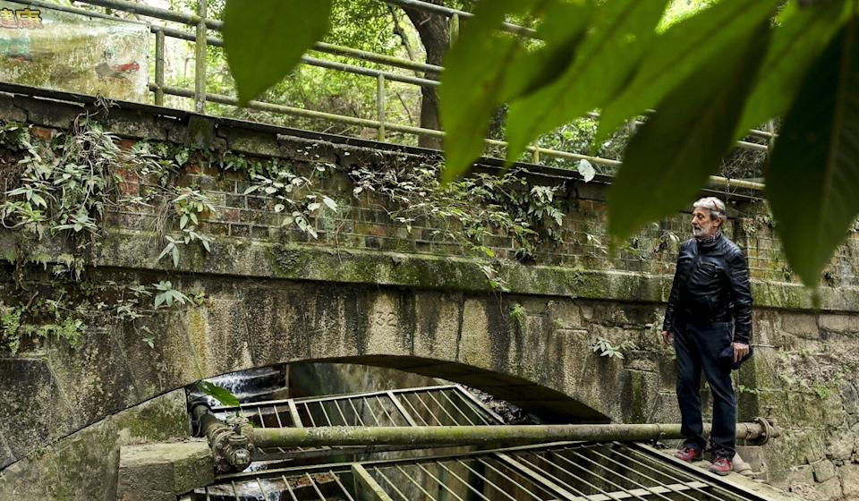 Paul Zimmerman at a section, numbered 32, of the Pok Fu Lam Conduit. Photo: Xiaomei Chen