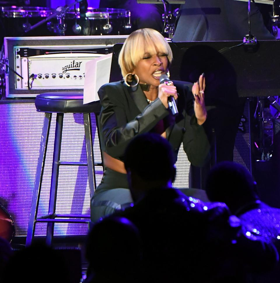 Mary J. Blige performs during the 2017 pre-Grammy gala on Saturday. (Photo: Jeff Kravitz/FilmMagic)