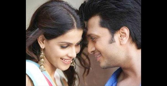 <p>Riteish Deshmukh and Genelia D'Souza dated for almost a decade. They gave enough time to themselves before exchanging the marriage vows on February 3, 2012.</p>