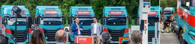 from left to right: Martin Gruber, CEO Gruber Logistics and Andrea Condotta, Public Affairs & Innovation Manager Gruber Logistics