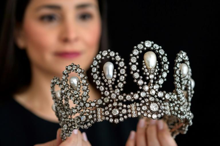 This natural pearl and diamond tiara from the second half of the 19th century is expected to be sold for up to $1.5 million