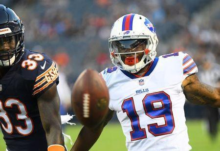 FILE PHOTO: Aug 30, 2018; Chicago, IL, USA; Buffalo Bills wide receiver Corey Coleman (19) attempts to make a catch against Chicago Bears defensive back Kevin Toliver (33) during the first quarter at Soldier Field. Mandatory Credit: Mike DiNovo-USA TODAY Sports