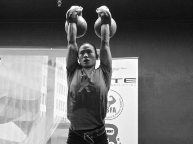 Tan working the kettlebells en route to victory (Ritual Photo)