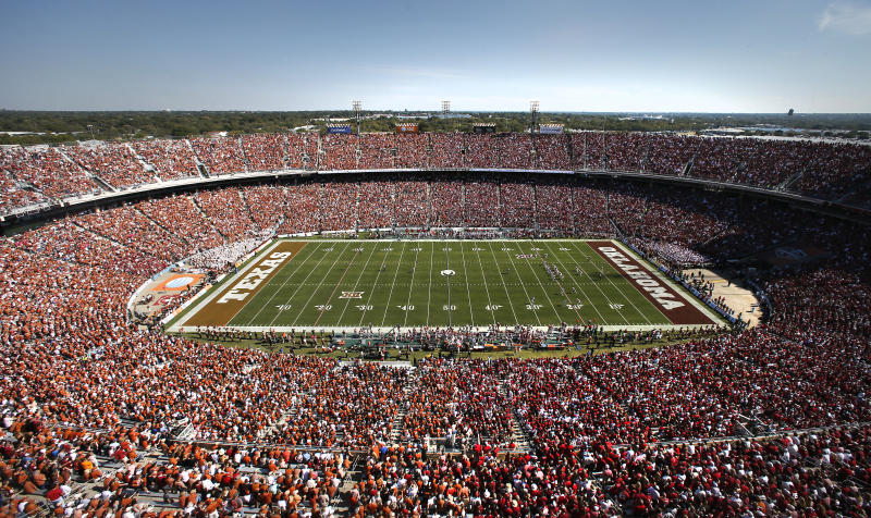 Texas plays Oklahoma in the first half of an NCAA college football game in this general overall view of the Cotton Bowl Stadium Saturday, Oct. 10, 2015, in Dallas. (AP Photo/Tony Gutierrez)