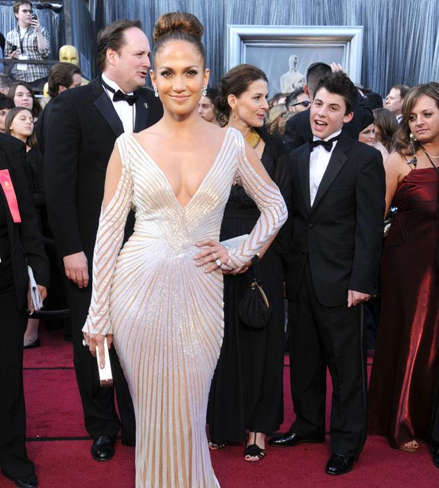 Actress Jennifer Lopez arrives at the 84th Annual Academy Awards at Hollywood & Highland Center on February 26, 2012 in Hollywood, California. (Photo by Gregg DeGuire/FilmMagic)
